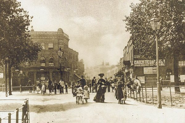 London Fields 1909 a